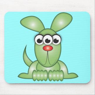 かわいい漫画のエイリアン犬 マウスパッド