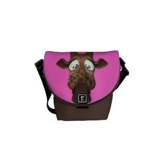かわいい漫画のキリンのピンク及びブラウン メッセンジャーバッグ