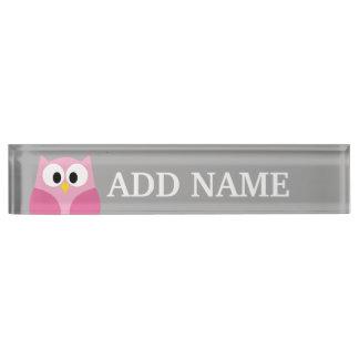 かわいい漫画のフクロウの-ピンクおよび灰色の名前をカスタムする デスクネームプレート