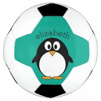 かわいい漫画のペンギンのエメラルドおよび黒 サッカーボール