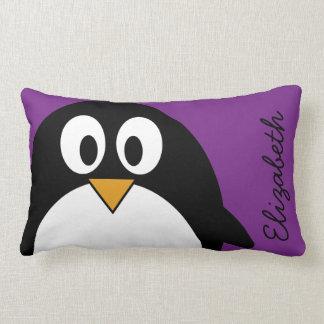 かわいい漫画のペンギンの紫色 ランバークッション