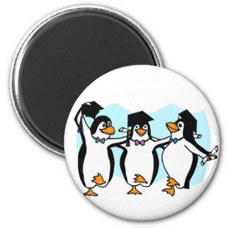 かわいい漫画の卒業のペンギン マグネット
