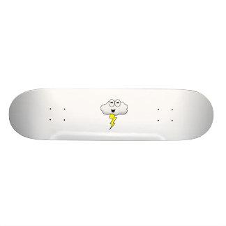 かわいい漫画の稲妻の雲 スケートボード