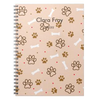 かわいい犬の足および骨の水玉模様パターン ノートブック