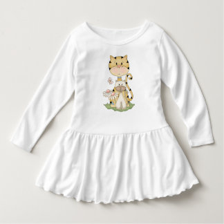 かわいい猫および子ネコの国はベージュデイジーのピンクを整えます ドレス