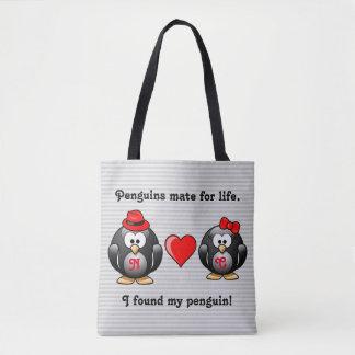 かわいい私は生命赤いハートのための私のペンギンの仲間を見つけました トートバッグ