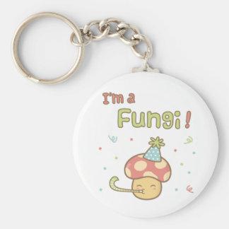 かわいい私は菌類のパーティーのきのこのしゃれのユーモアです キーホルダー