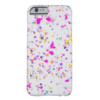 かわいい紙吹雪の電話箱 BARELY THERE iPhone 6 ケース