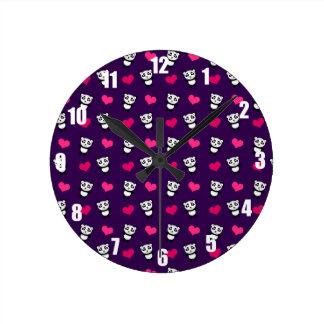 かわいい紫色のパンダのハートパターン ラウンド壁時計