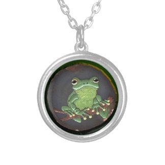 かわいい緑のアマガエルの動物愛好家のギフト シルバープレートネックレス