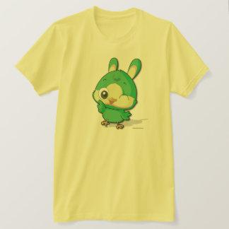 かわいい緑の鳥のおもしろいなマンガのキャラクタのTシャツ Tシャツ