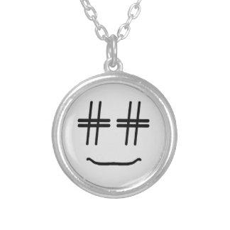 かわいい色# Hashtagのスマイリーフェイスを選んで下さい シルバープレートネックレス