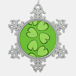 かわいい薄緑のスイレンの浮いている葉の葉のデザイン スノーフレークピューターオーナメント