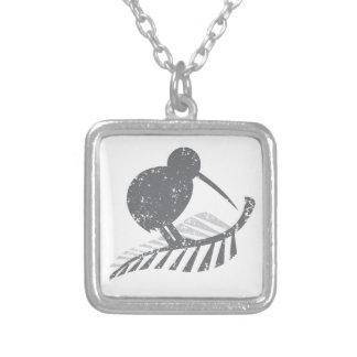 かわいい銀製のキーウィの鳥および動揺してな銀製シダ シルバープレートネックレス