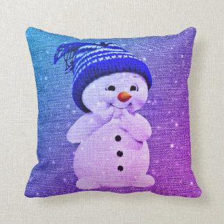 かわいい雪だるまの枕   装飾用クッションの紫色の青 クッション