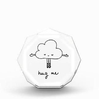 かわいい雲は私を抱き締めます 表彰盾