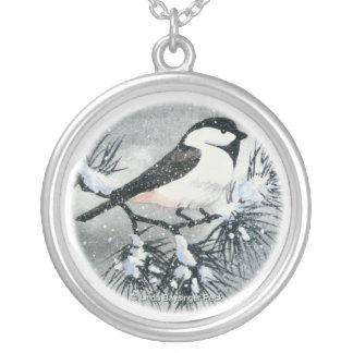 かわいい黒によっておおわれる《鳥》アメリカゴガラの鳥 シルバープレートネックレス
