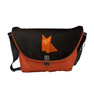 かわいいOrigamiのキツネの暗闇 メッセンジャーバッグ
