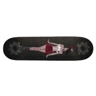 かわいいSteampunkのゴシックの女の子及びギアの黒いスケートボード スケートボード