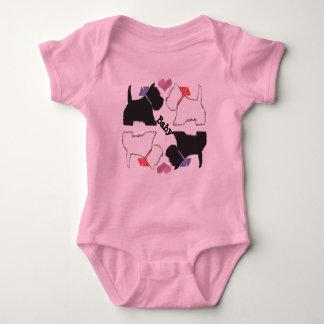 かわいいWestie犬の芸術の赤ん坊は育ちます ベビーボディスーツ