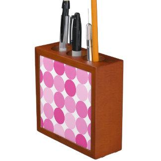 かわいくガーリーでエレガントなピンクの水玉模様 ペンスタンド