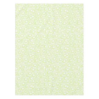 かわいくクールでガーリーな渦巻の薄緑および白いパターン テーブルクロス
