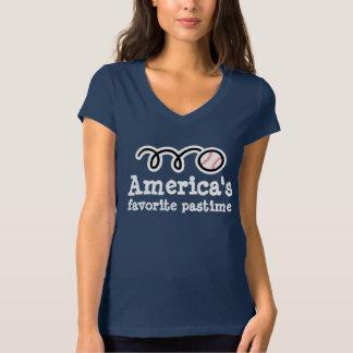 かわいくスポーティなデザインの女性の野球のTシャツ Tシャツ