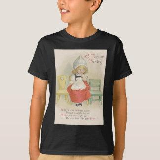 かわいく小さいオランダの女の子の椅子 Tシャツ