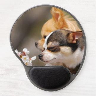 かわいく小さいチワワの子犬 ジェルマウスパッド