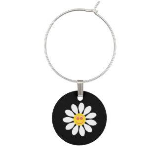 かわいく幸せな顔の黒のガーリーな白いデイジーの花 ワインチャーム