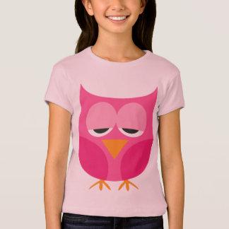 かわいく眠いピンクのフクロウ Tシャツ