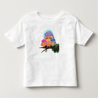かわいく眠いフクロウ家族 トドラーTシャツ