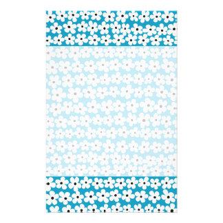 かわいく青くガーリーな春の花パターン 便箋