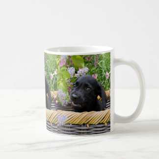 かわいく黒いラブラドル・レトリーバー犬犬の子犬ペット写真 コーヒーマグカップ