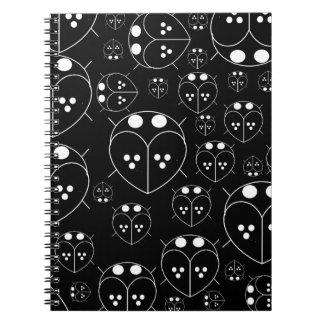 かわいく黒い色愛虫の平野のノート ノートブック