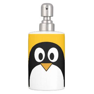 かわいく、モダンな漫画のペンギン バスセット