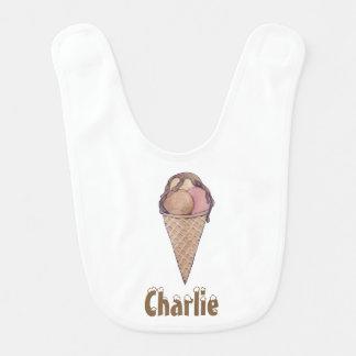 かわいく、甘く名前入りなアイスクリームのベビー用ビブ ベビービブ