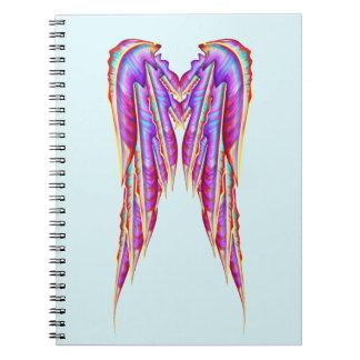 かわいらしいカラフルの羽の天使の翼のデザイン ノートブック