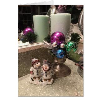 かわいらしいクリスマスの蝋燭および雪だるまの表示カード カード