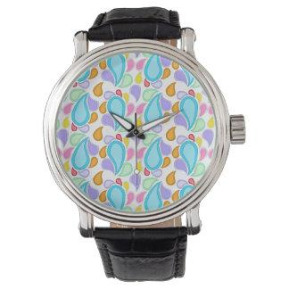 かわいらしいパステルカラーのペイズリーパターン 腕時計
