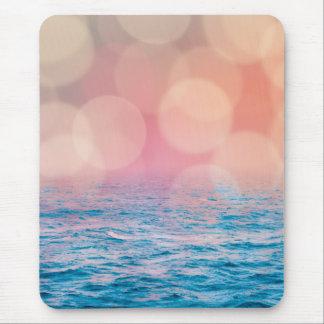かわいらしいピンクおよび青くガーリーな《写真》ぼけ味の海 マウスパッド