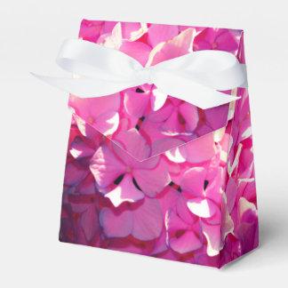 かわいらしいピンクのアジサイ フェイバーボックス