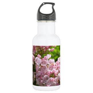 かわいらしいピンクのアメリカ・シャクナゲの花 ウォーターボトル