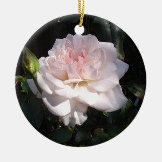 かわいらしいピンクのバラ セラミックオーナメント