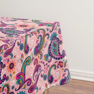かわいらしいピンクのペイズリーパターン テーブルクロス
