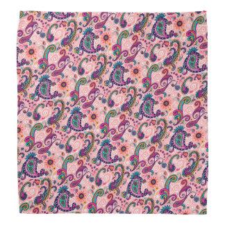 かわいらしいピンクのペイズリーパターン バンダナ