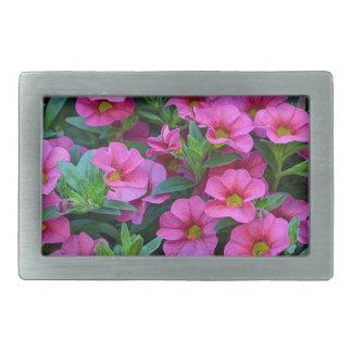 かわいらしいピンクのペチュニアの花 長方形ベルトバックル