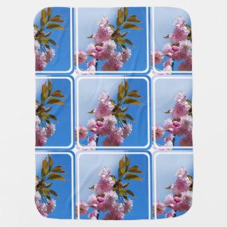 かわいらしいピンクの桜 ベビー ブランケット