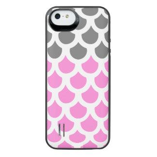 かわいらしいピンクの煙の魚スケール2 iPhone SE/5/5sバッテリーケース