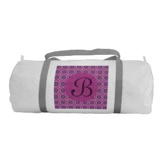 かわいらしいピンクの花パターンモノグラム ジムダッフルバッグ